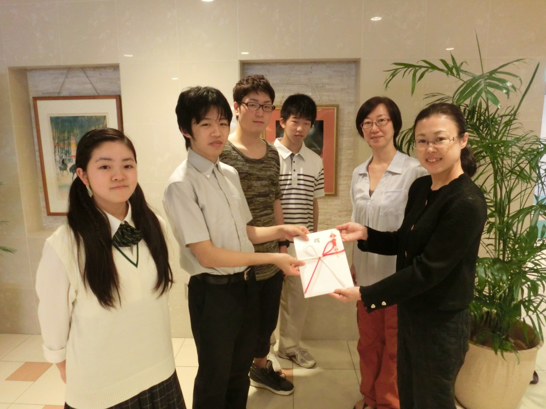 http://www.littlecreators.jp/en/OB_donation2014.07.1%EF%BC%99.JPG